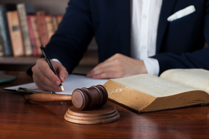 弁護士 接見