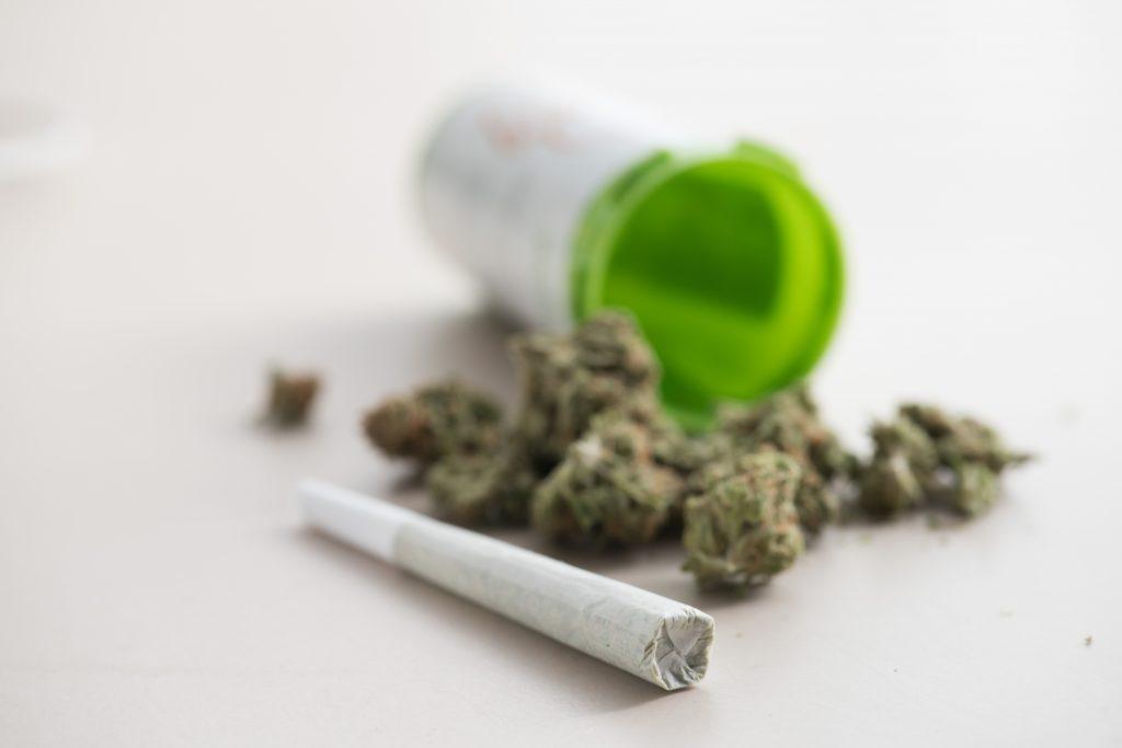 違法薬物の所持