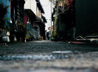 暗い住宅街