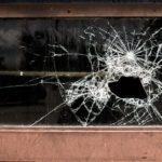 割れたガラス