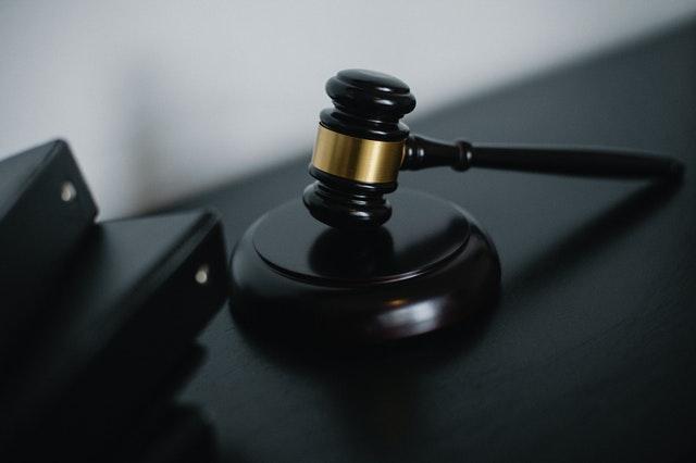裁判用のハンマー